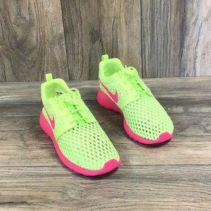 NEW Nike Roshe One Fligh Weight GS Green Pink Kids